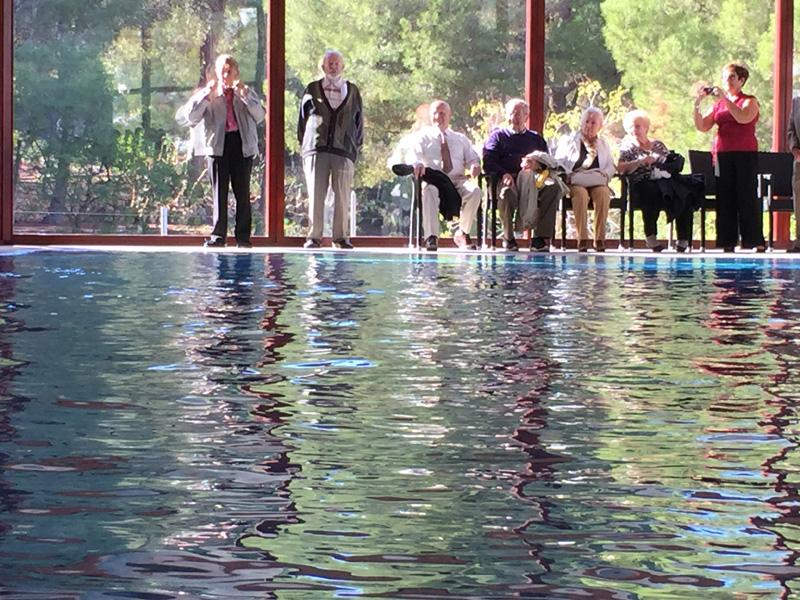 El Alcalde inaugura la piscina cubierta de Ciudad Patricia